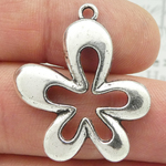 Silver Daisy Charm in Pewter Large